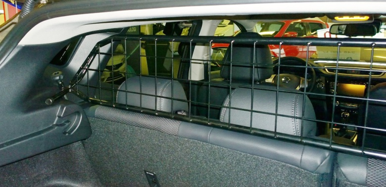 Toyota Hilux 2012- Modell Stor Trio med färdiga extraljusfästen - till din bil !